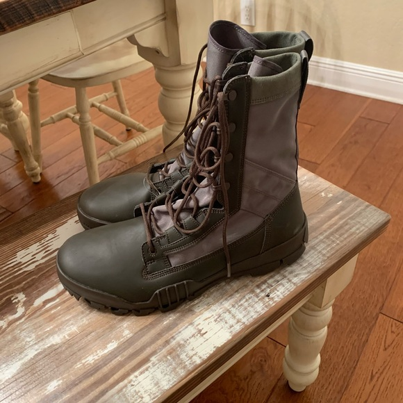 New Nike SFB Men's Special Field Boots Size 11